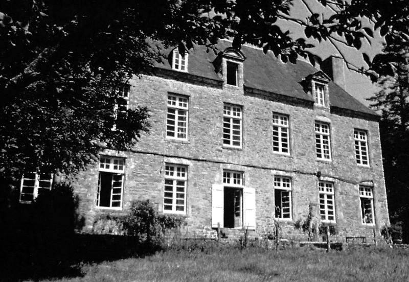Abbaye De Lanvaux Bretagne